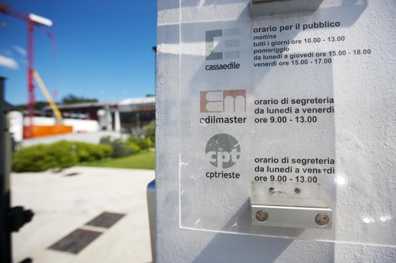 Ufficio lavoro trieste orari comune di como licenziata for Mobilia trieste piazza sansovino